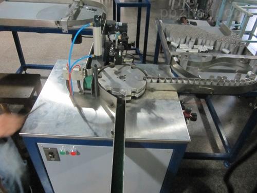 全自动三件套组装瓶盖机械